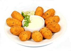 Receita: Bolinho de Bacalhau e Filé de Merluza com Batatas