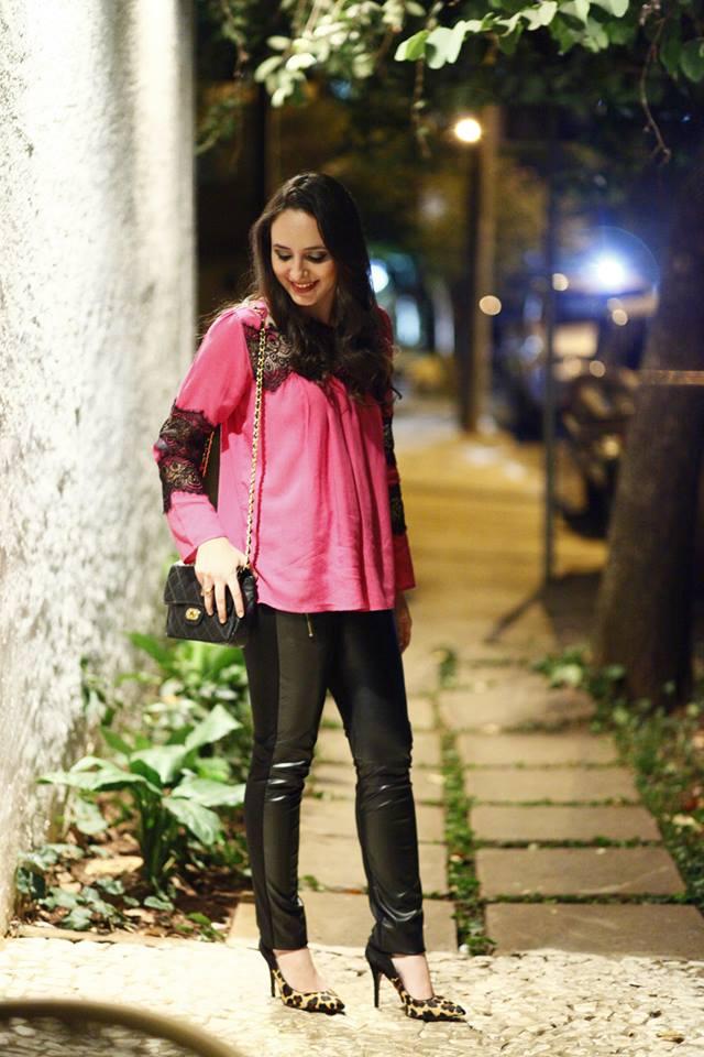 Ana Paula Cavicchio, 24 anos, noiva, formada em Administração de Empresas. Da minha paixão pelo universo dos Blogs, da moda e da beleza surgiu nosso cantinho para compartilhar futilidades.